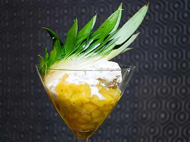 Het ananascocktail med co-coglass