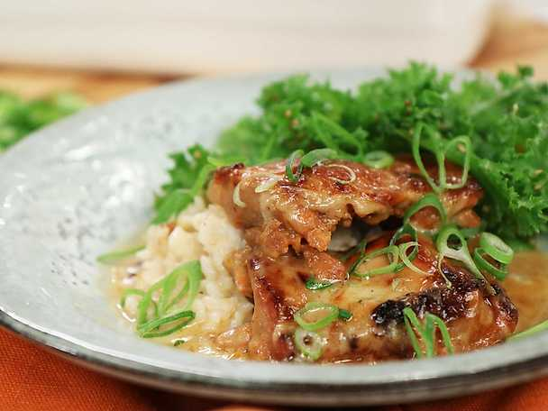 Het kycklinggratäng med koreanska smaker