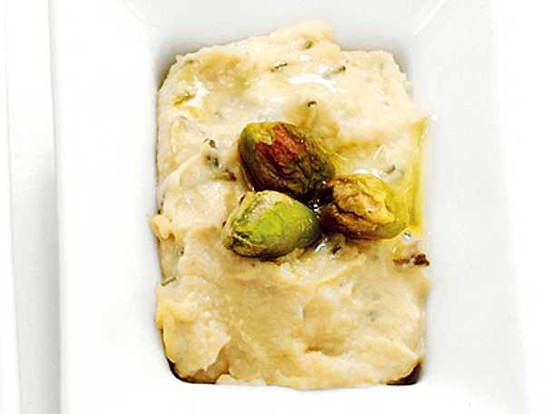 Hummus med pistage och rosmarin