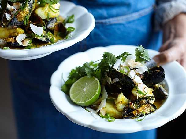 Indisk fisk- och skaldjurscurry med basmatiris