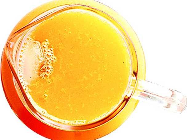 Indisk mango- och apelsindrink