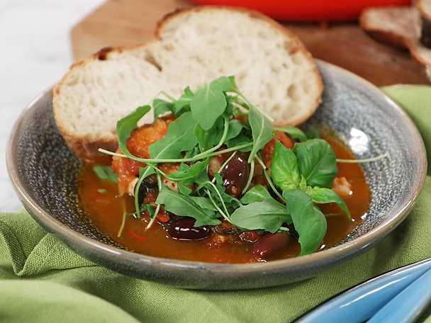 Italiensk kycklinggryta med tomat och oliver