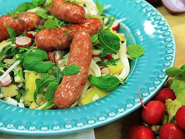 Italiensk potatissallad med kronärtskocka och salsiccia