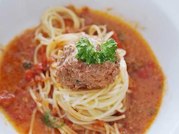 Italienska frikadeller i tomat och paprikasås