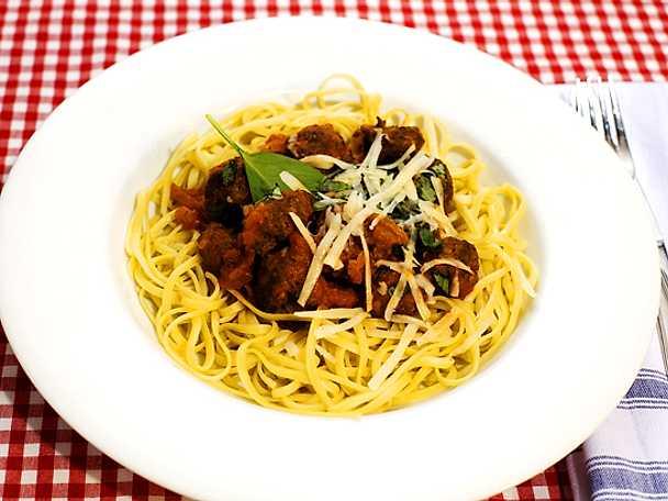 Italienska köttbullar med tomatsås