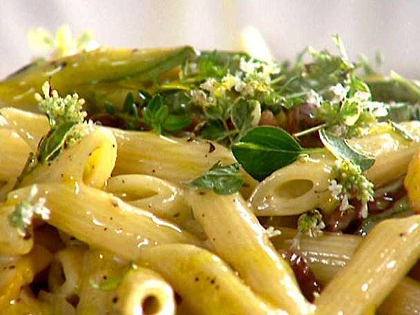 Jamie Olivers carbonara med zucchini