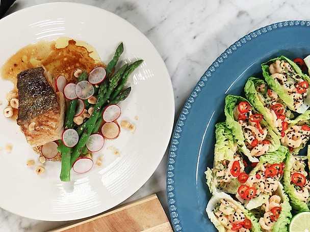 Jennies bjudmiddag med räkröra i salladsblad och torsk med brynt sojasmör