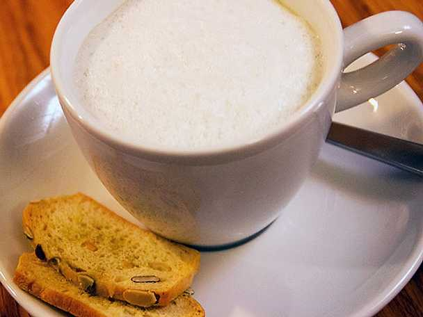 Jordärtskockscappuccino med lokal snacksbricka