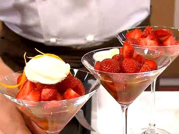 Jordgubbar à la Haga med vanilj