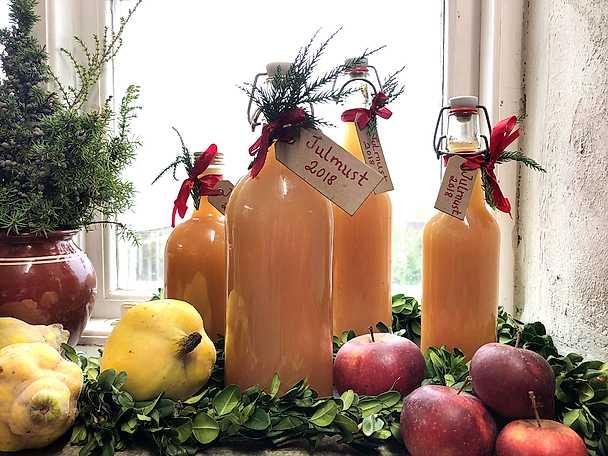 Juldryck med enbär och äppelmust