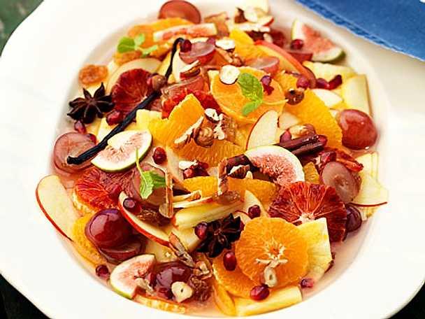 Julens fruktsallad med rostade nötter