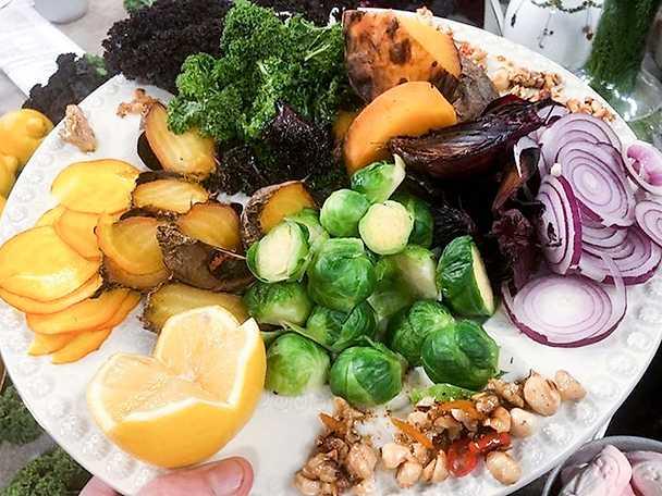 Julens grönsaker med kryddig nötvinägrette