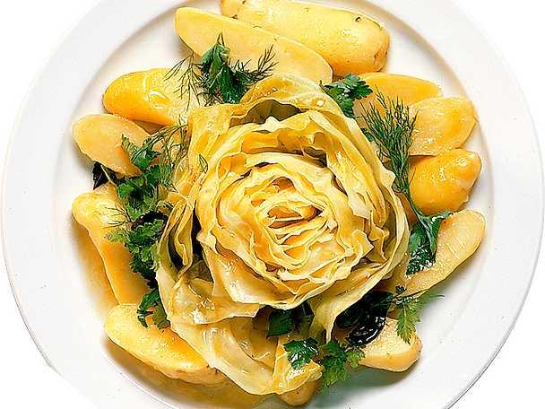 Kål med ostglaserad potatis