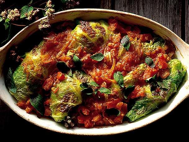 Kåldolmar i tomatsås