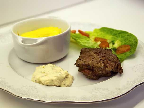 Kalvfilé, med geggamojjasås och potatismos