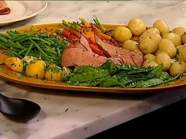Kalvstek med färsk potatis och murkelkräm