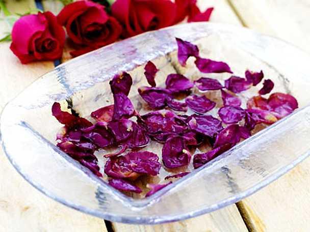 Kanderade rosenblad