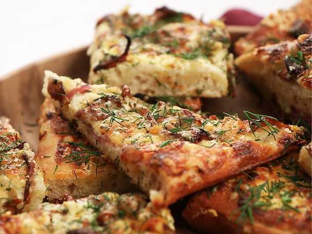 Kantarellpizza med lagrad ost