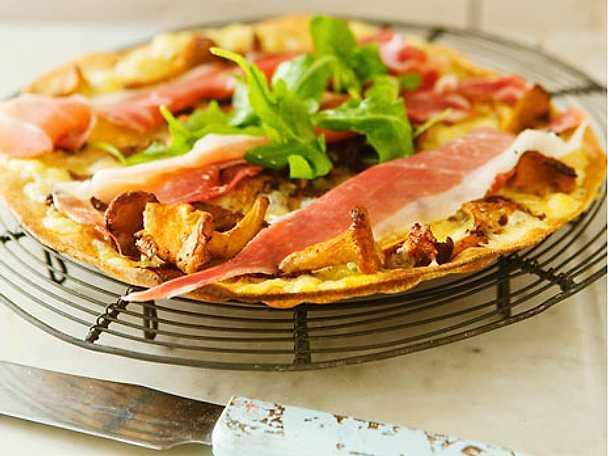 Kantarellpizza med västerbottensost