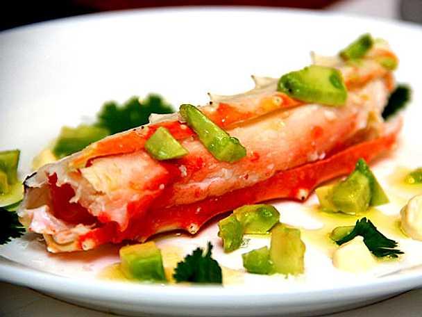 King crab legs med avokadohack
