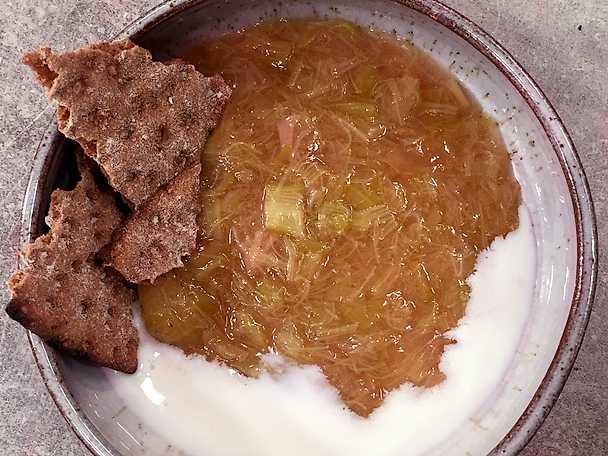 Klassisk rabarberkräm - matgeek