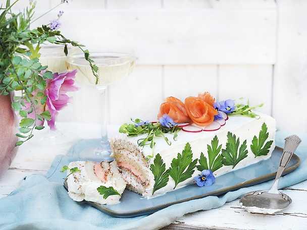 Klassisk smörgåstårta med lax Abba