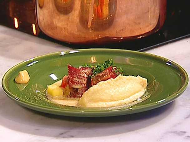 Kokt rimmad oxbringa med äpple, rotfukter och senap