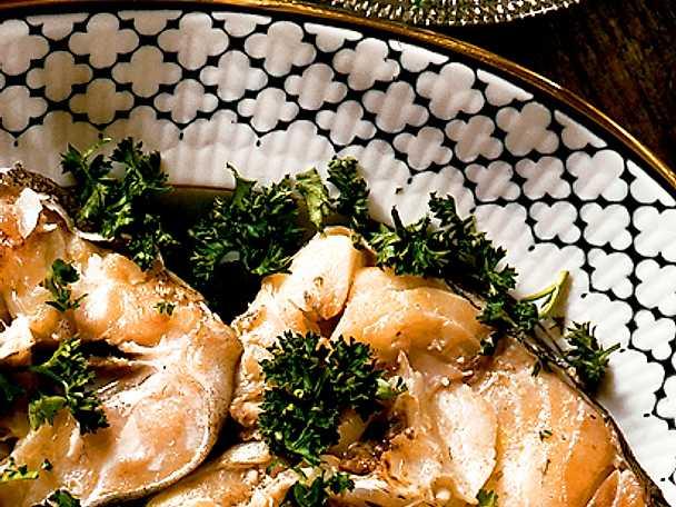 Kokt torsk med örtgrön sås