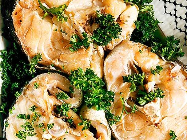 Kokt torsk med örtsås