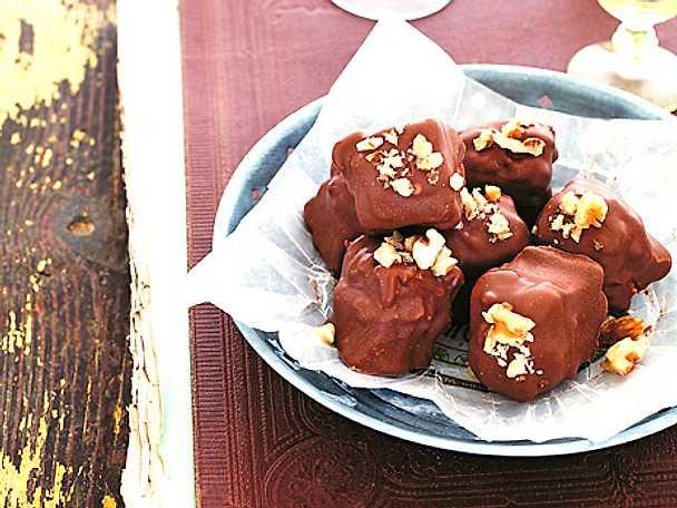 Kolamarshmallows med valnötter