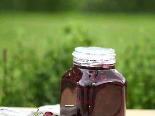 Körsbärssylt med bittermandel