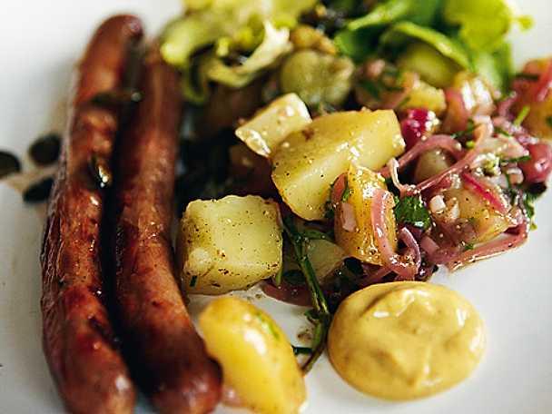 Korv med tysk potatissallad