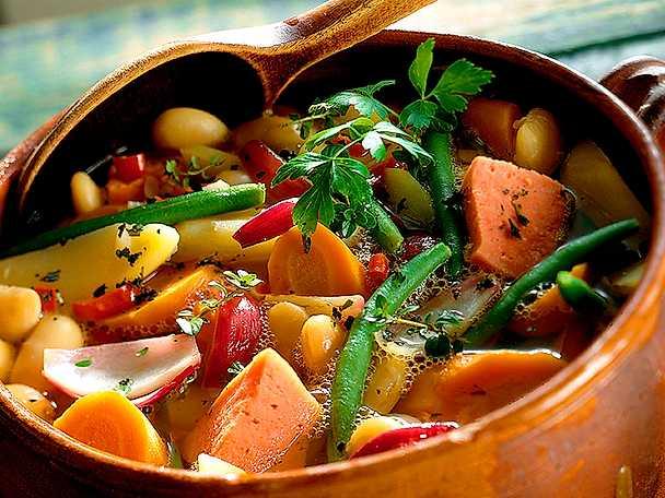 Korv- och rotsaksgryta med bönor