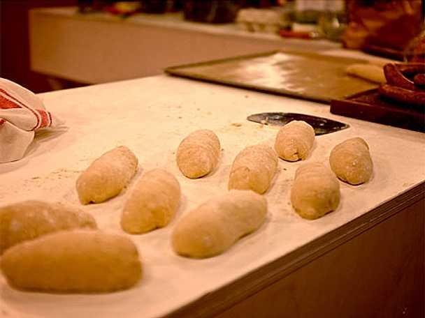 Korvbröd med surdeg