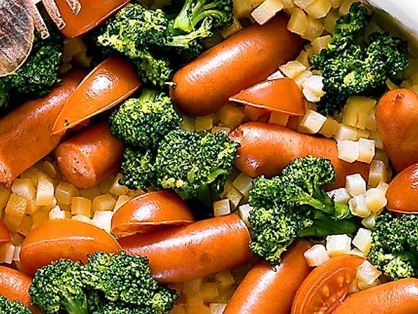 Korvgryta med broccoli