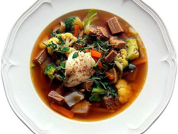 Kött- och grönsakssoppa med klimp