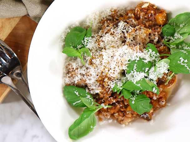 Köttfärssås med dinkel och parmesan