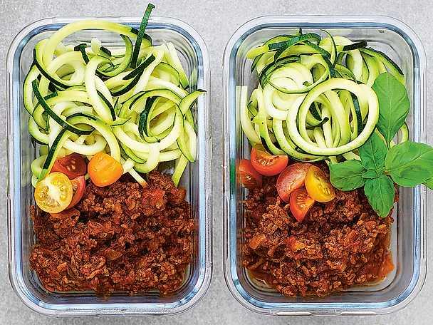 Köttfärssås med zucchinipasta