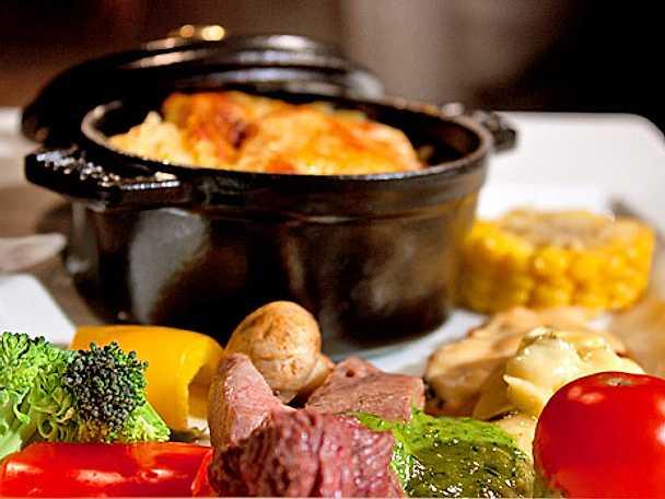 Köttfondue med potatisgratäng