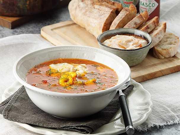 Krämig fisksoppa med het chipotleaioli
