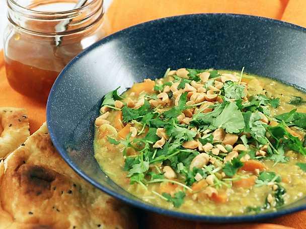 Krämig linsgryta med curry och kokosmjölk