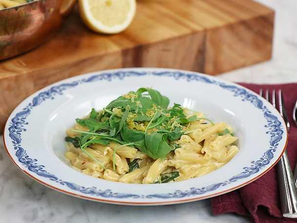 Krämig pasta med färska bönor