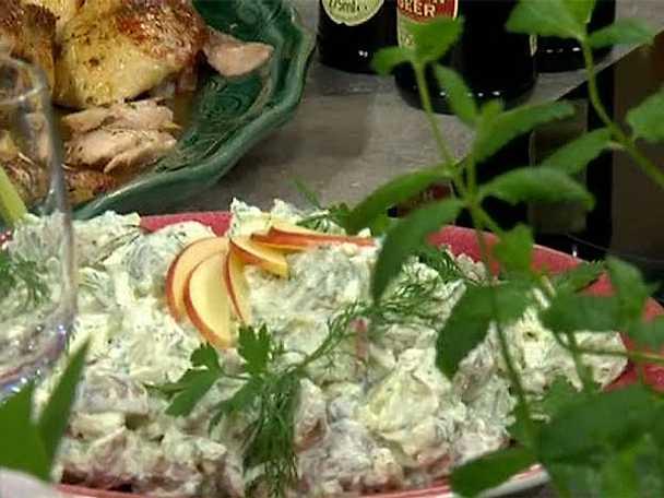 Krämig potatissallad med fänkål, selleri och äpple