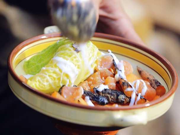 Krämiga korngryn med römme, savoykål, öring och brynt enbärssmör