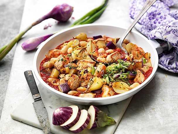 Kronfågel Gryta cassoulet på kyckling, tomat, bönor och steklök