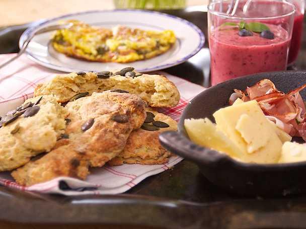 Kryddiga scones med zucchini och ingefära