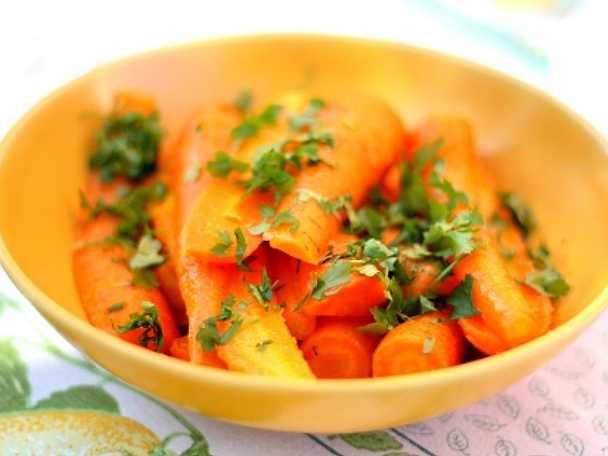 Kummindoftande marinerade morötter