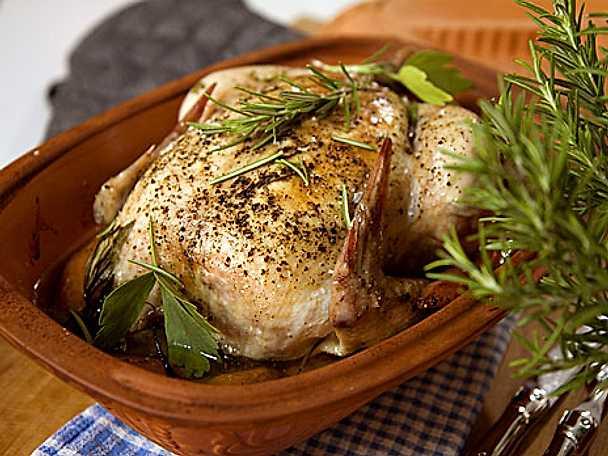 Kyckling i lergryta med färskpotatis