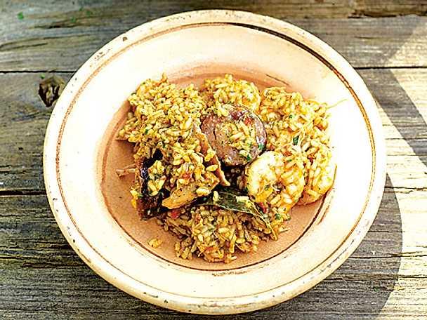 Kyckling-, korv- och räkjambalaya