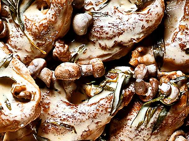 Kyckling med dragon och champinjoner